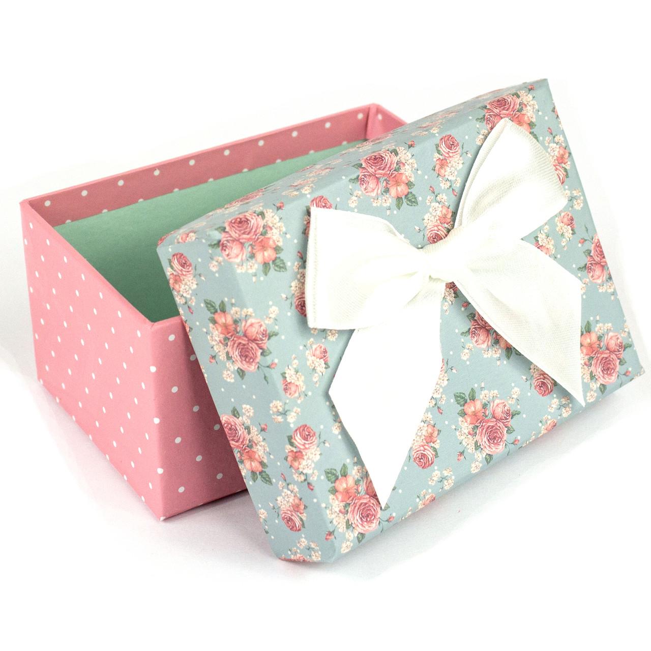 Подарочная коробка с розочками и белым бантом 11.5 x 9.8 x 5.2 см