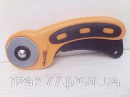 Нож, 45 мм, вращающееся лезвие-ролик диаметром, пластмассовая ручка пистолетного типа SPARTA