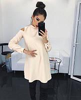 Короткое платье свободного кроя с открытыми плечами