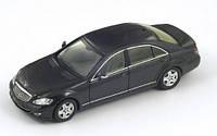 Машинка коллекционная Mercedes-benz W221  S-class  металлическая модель в масштабе 1:32