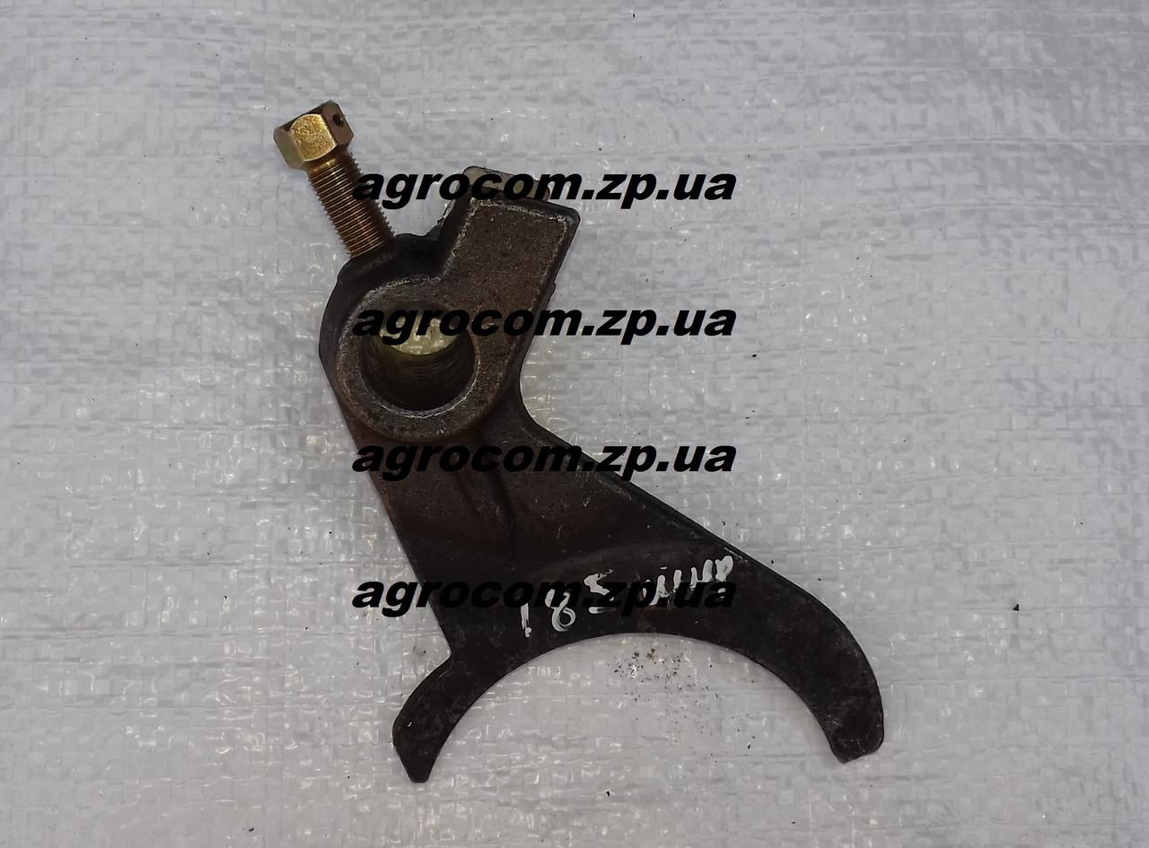 Вилка реверса КПП Т-25, Д-21 широкий паз Т30.37.185Б