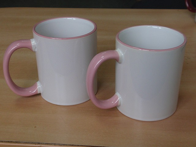 Чашка с цветной каемкой и ручкой с полноцветным изображением