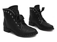 Женские ботинки черные с лентой и стразами