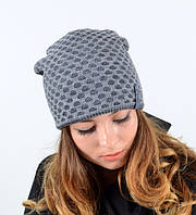 Модная стильная женская шапка