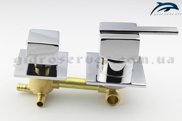 Смеситель SK 3 ― 100 мм вид сбоку, с квадратными ручками на 3 положения, выходы под штуцер, подвод стандартный гайка 1/2 дюйма.