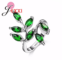 Кольцо с зелеными кристаллами, покрытое серебром р 16 17 19 код 1262