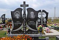 Пам'ятник гранітний з квітником
