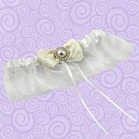 Подвязка для невесты с бантиком цвета айвори