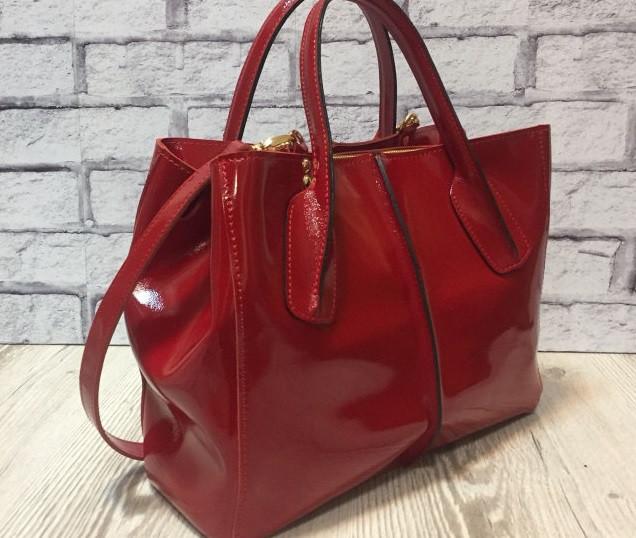 Стильная кожаная сумка натуральная кожа красная глянец 1716