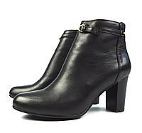 Черные женские осенние кожаные ботильоны Lonza на устойчивом каблуке
