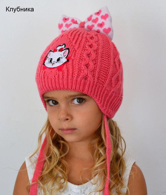 Милая зимняя шапочка для малышки
