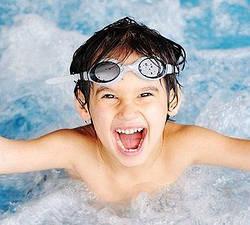 Чистка басейну, як часто потрібно робити?