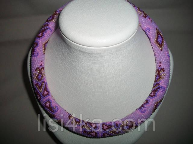 Вязаный из бисера узорный жгут с восточным узором в сиренево-розовых тонах