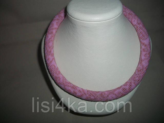 Вязаный из бисера узорный жгут с восточным узором в розовых тонах