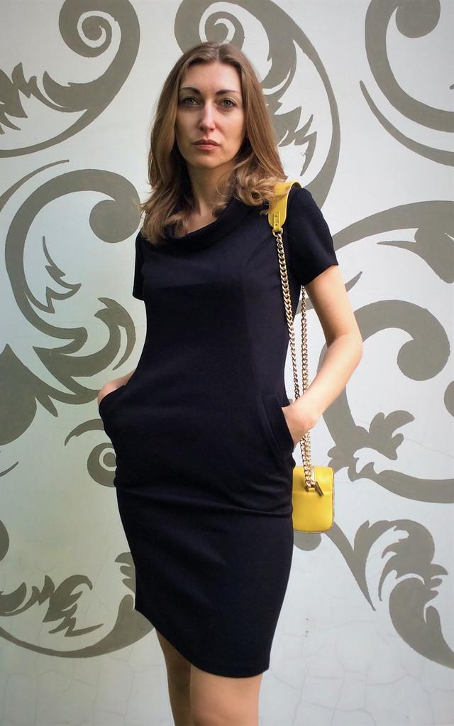 Женское бархатное платье-футляр П27
