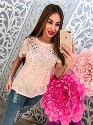 Женская, летняя футболка с разноцветными стразами. Разные цвета и принты