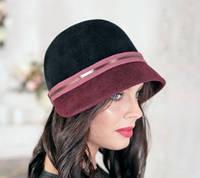 Шляпка из фетра  трехцветная  с опущенными  полями
