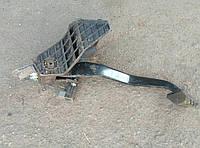 Педаль тормоза KIA Ceed