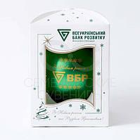 Новогодний шарик с логотипом Д 80мм цвет зеленый глянец в индивидуальной картонной коробочке