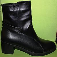 Ботинки кожаные на среднем каблуке, демисезонная женская обувь от производителя модель В1688