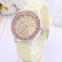 Женские наручные часы Geneva Swarovski