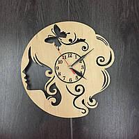 Часы настенные деревянные Салон красоты