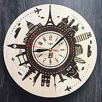Настенные часы из дерева Вокруг света