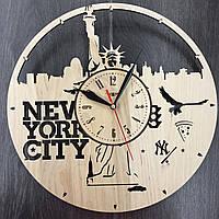 Часы настенные из дерева Статуя Свободы