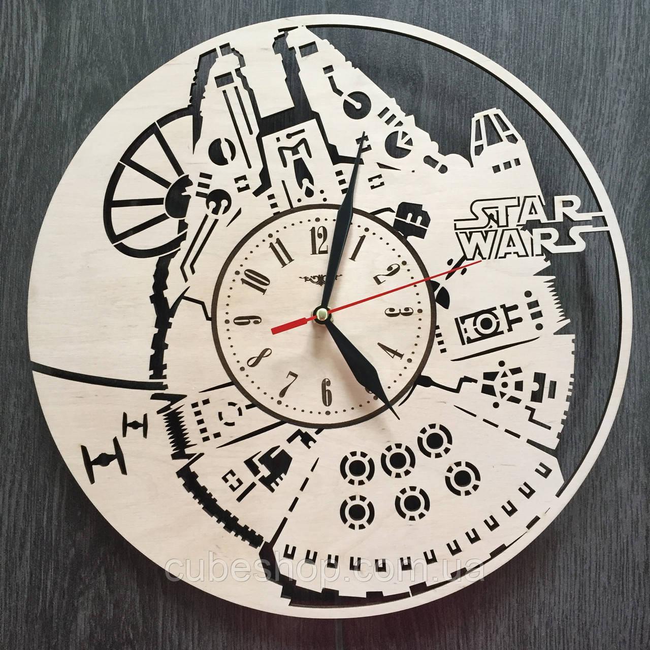 Настенные часы из дерева Тысячелетний Сокол