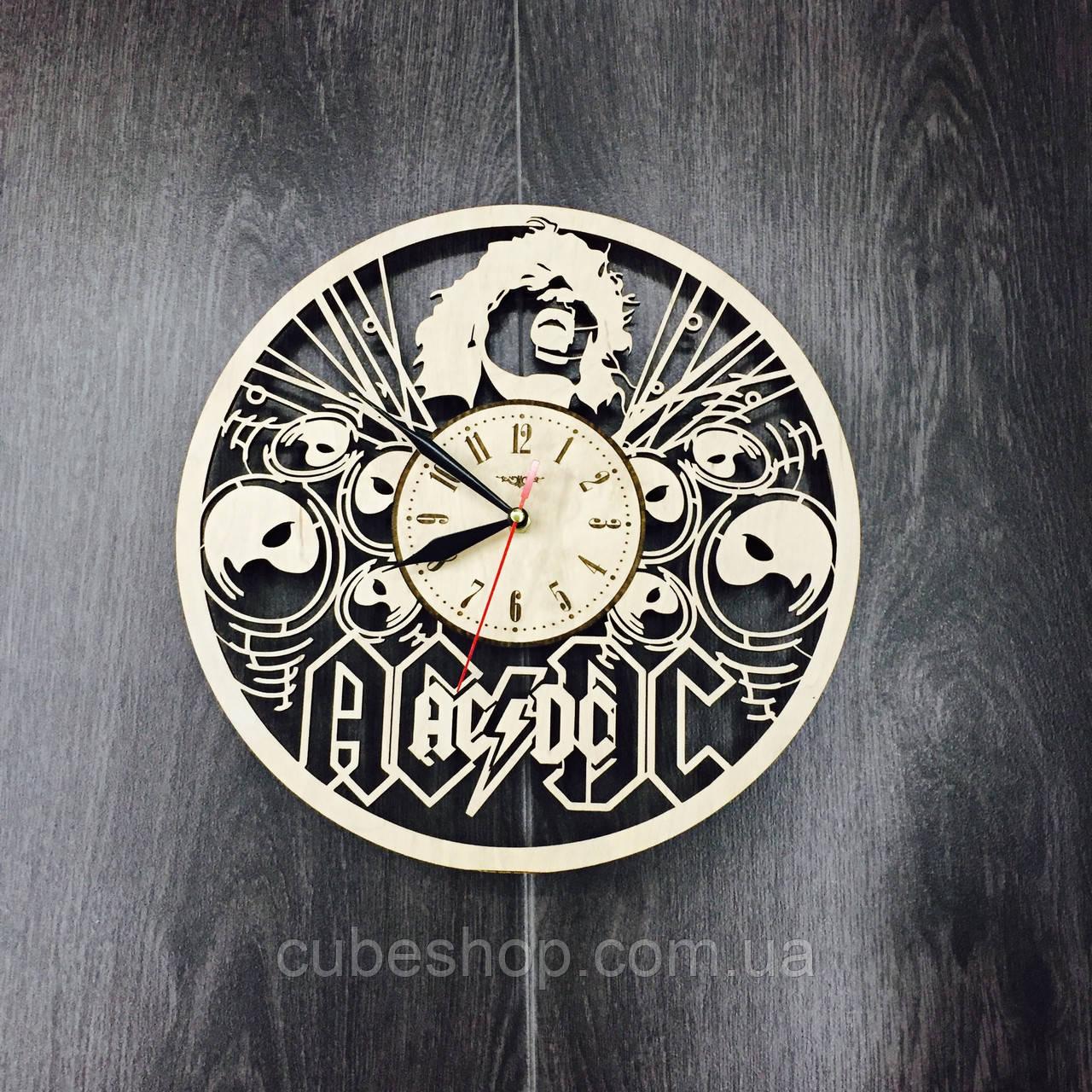 Деревянные настенные часы AC/DC