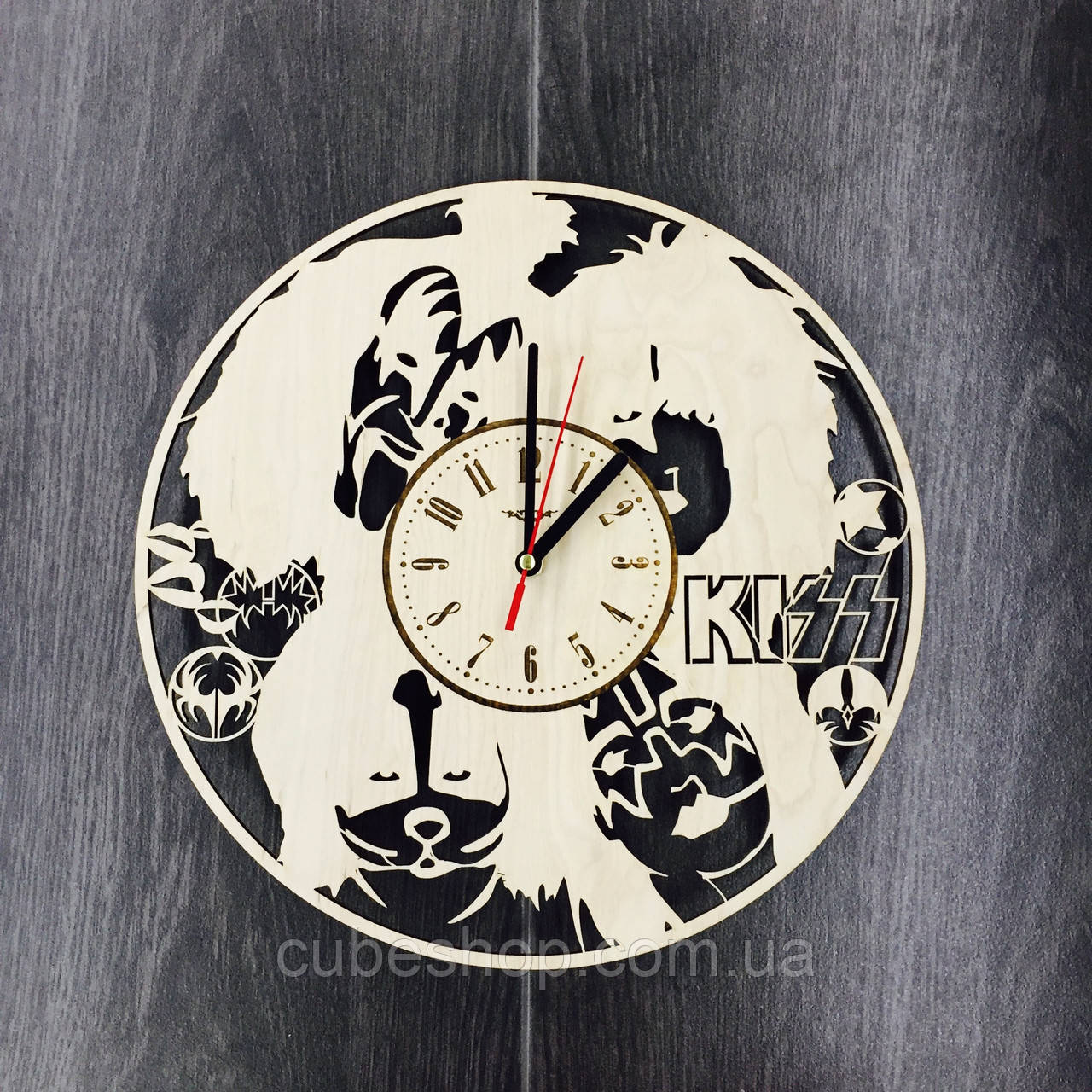 Арт часы настенные KISS