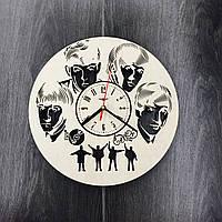 Настенные часы из березы Легенда рока