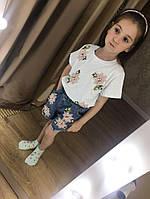 Очаровательный детский костюм для юной модницы (фабричный Китай, шорты с нашивками + футболка с декором)