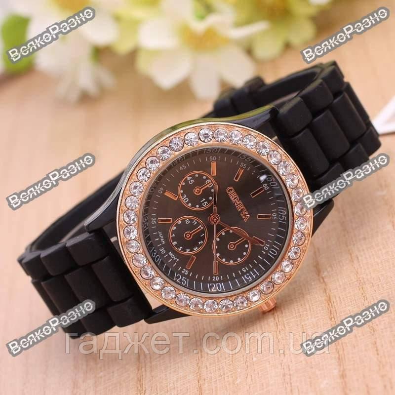 Женские наручные часы Geneva Crystal,черного цвета.Женские часы.