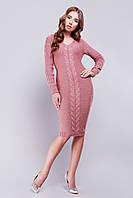 Женское вязаное платье розовое цвета с V-образным вырезом