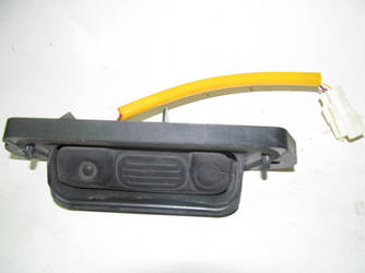 Кнопка кр.багажника Mitsubishi Outlander (GF) 12- (Мицубиси Оутлендер 12-18)