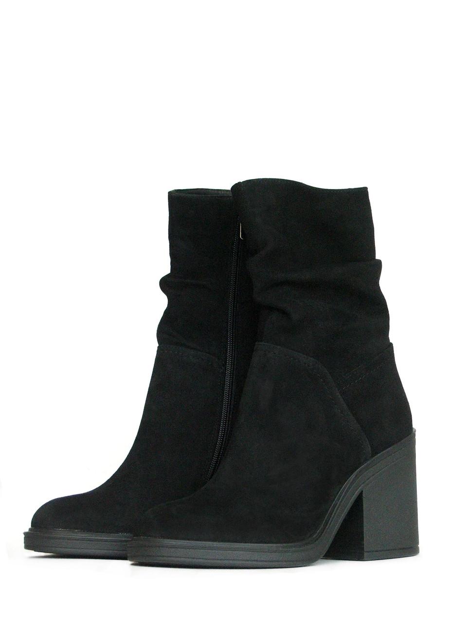 Высокие замшевые ботинки женские