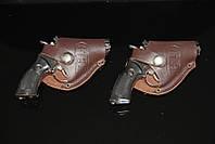 Зажигалка - револьвер в кобуре малая