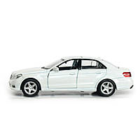 Машинка коллекционная Mercedes-benz E-сlass Белая металлическая модель в масштабе 1:36
