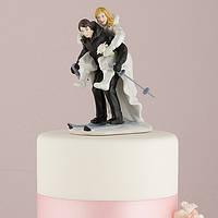 Керамическая фигурка на свадебный торт в виде жениха и невесты лыжников