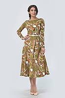 Романтичное платье прилегающего силуэта с укороченным втачным рукавом и круглой горловиной