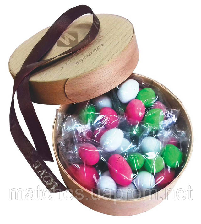 Арахис в глазури в подарочной коробке из шпона
