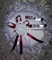 Свадебная круглая подушка под кольца № 1 (бордовая)