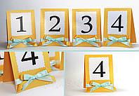 Номер односторонний на свадебный стол в сочном золотистом цвете