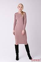Теплое женское платье по колено приталенное