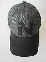Модные кепки из пальтовой ткани.