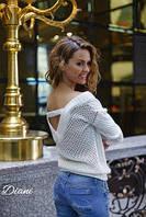 Классный белый свитерок с открытой спиной