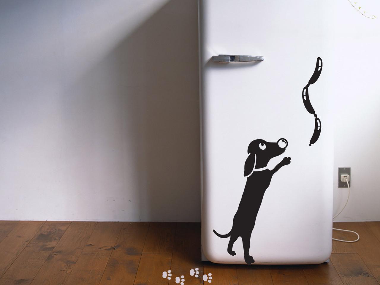 Вінілова наклейка на холодильник (Пес-сосиски) від 20х20 см