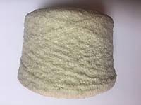 Букле 41% шерсть 24% альпака 27% акрил 8% ПА белого цвета. Размер 120 метров в 100 граммах.