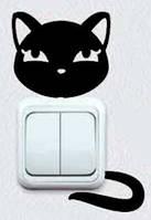 Виниловая интерьерная наклейка - Кошка на розетку 5 (от 7х5 см)